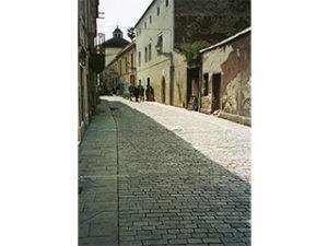 Arredo urbano e nuova pavimentazione di via De Castro